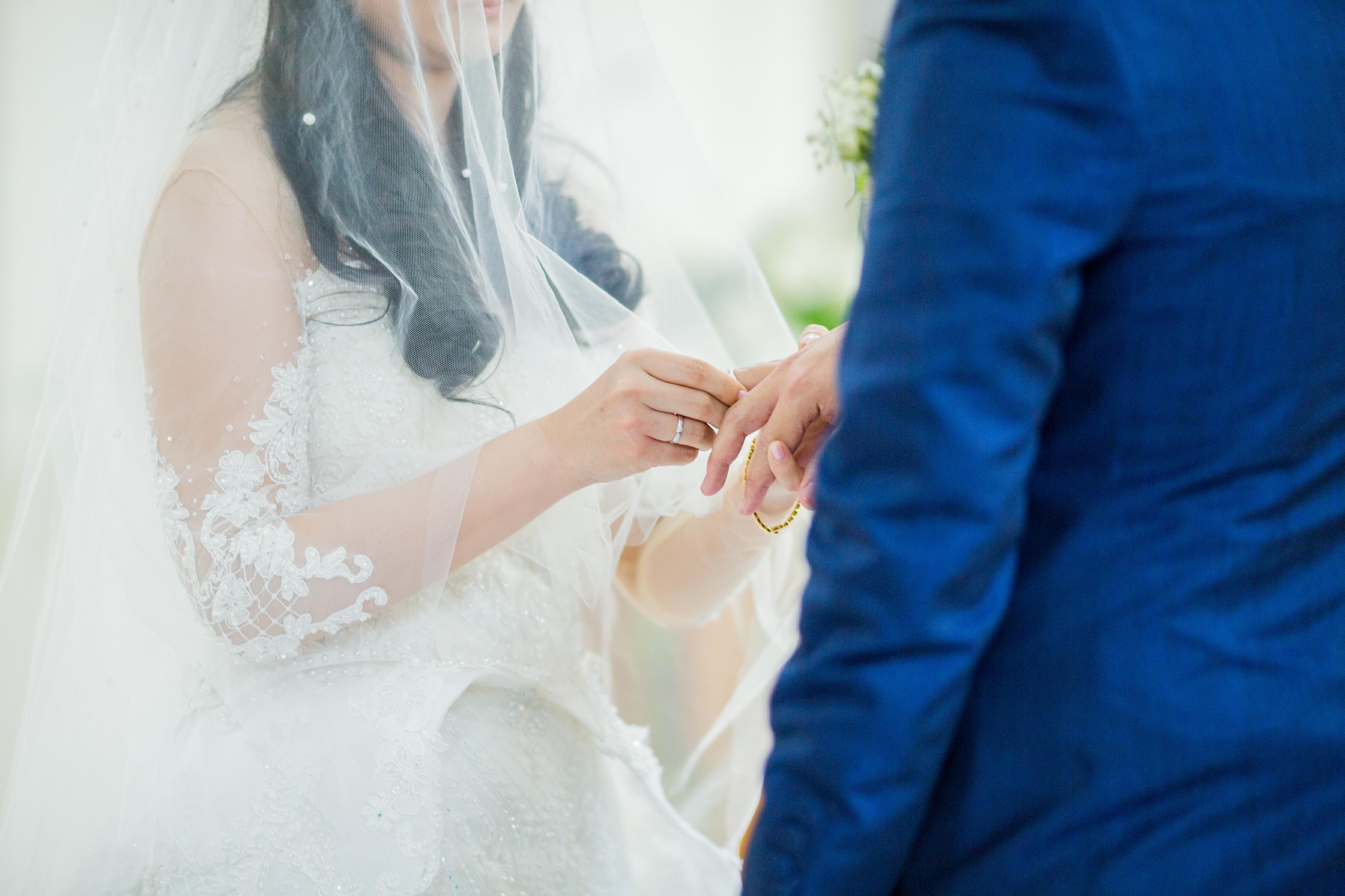 Jeffrey Tia Wedding Hilda By Bridestory Bowtie Dasi Kupu Polos Motif Best Man Polka Black Bow Tie