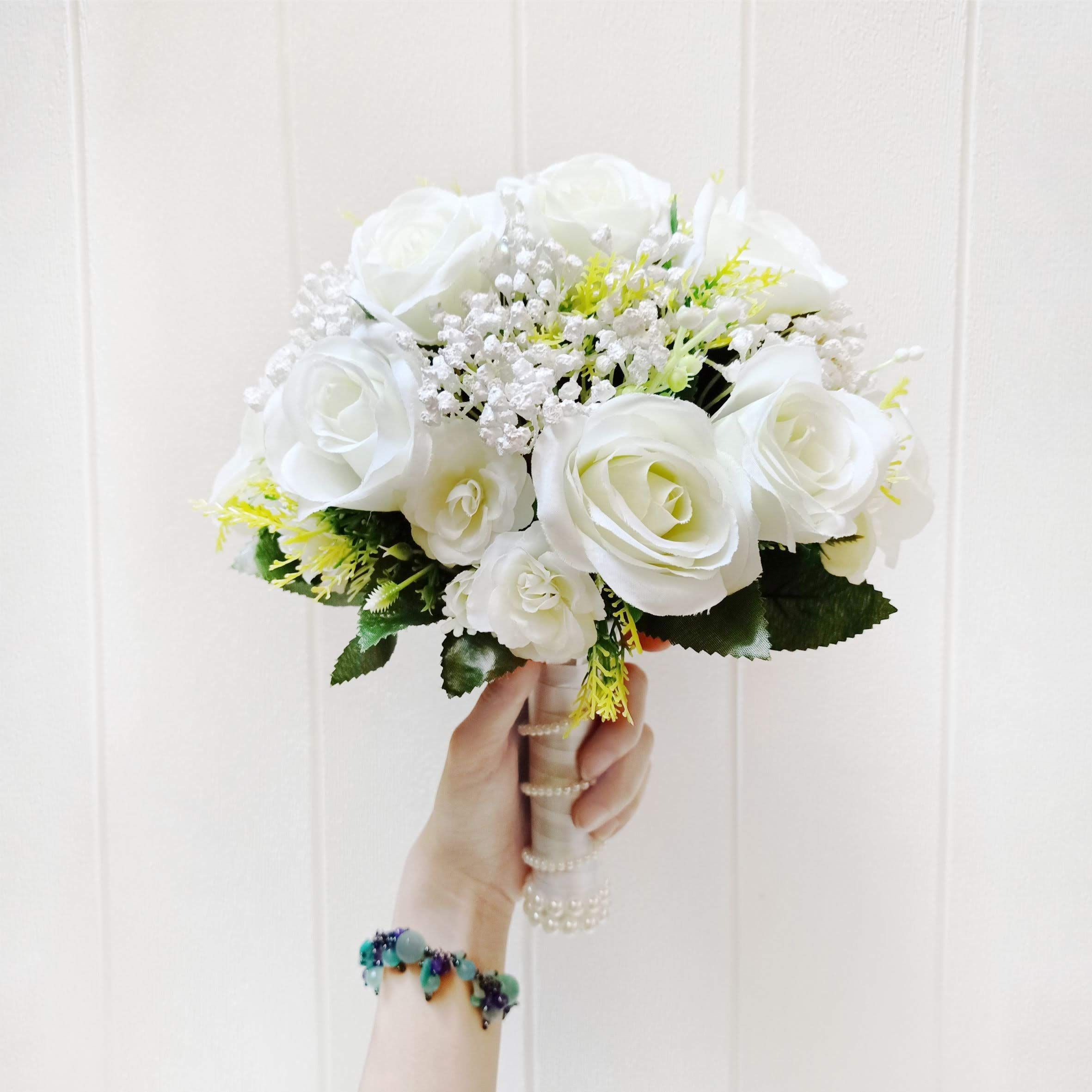 White Wedding Hanbouquet Flower Hanbuket Buket Bunga Bunga Pernikahan By Raia Fleurs Bridestory Store