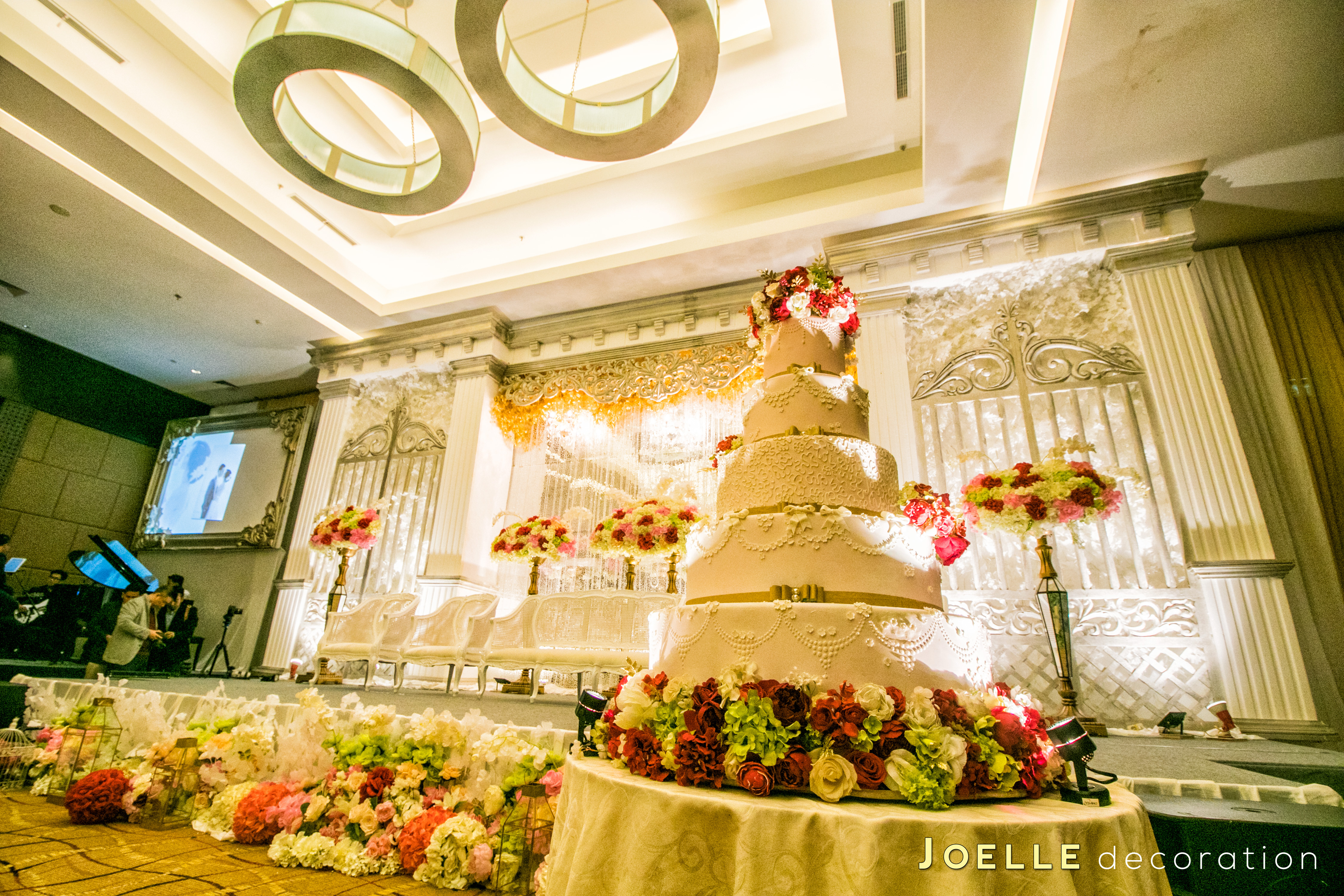 Directory of wedding decoration lighting vendors in jakarta directory of wedding decoration lighting vendors in jakarta bridestory junglespirit Image collections