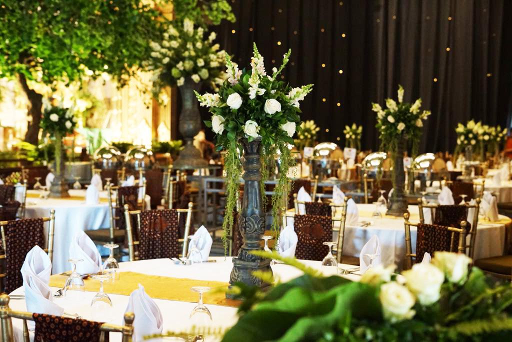 Suryo decor wedding decoration lighting in jakarta bridestory junglespirit Choice Image