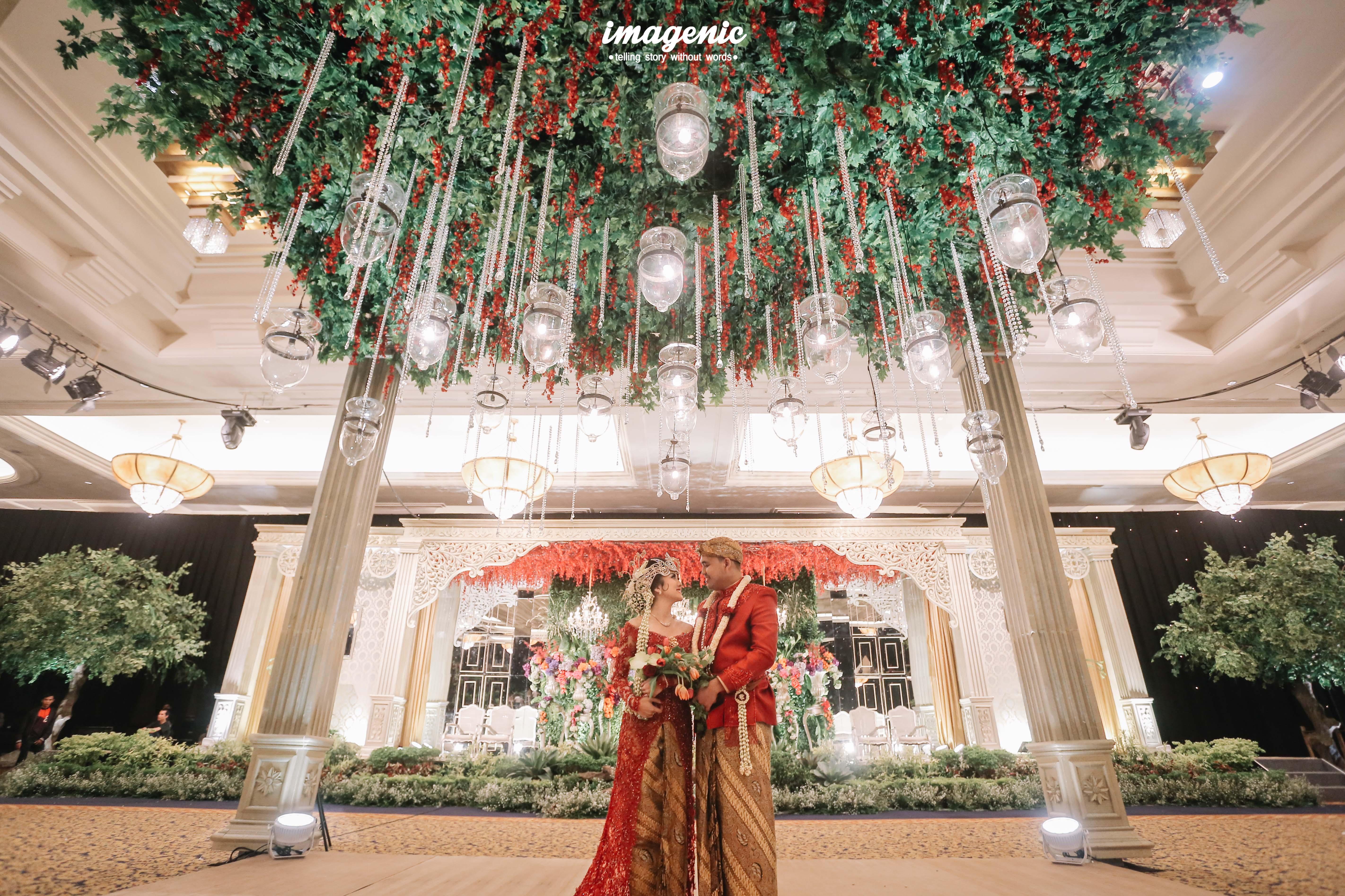 Rumah kampung wedding decoration lighting in jakarta rumah kampung wedding decoration lighting in jakarta bridestory junglespirit Gallery
