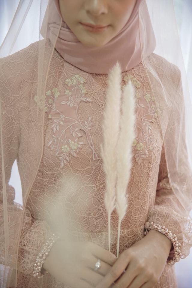 Dinda Firdausa Kebaya Wedding Dress Attire In Jakarta