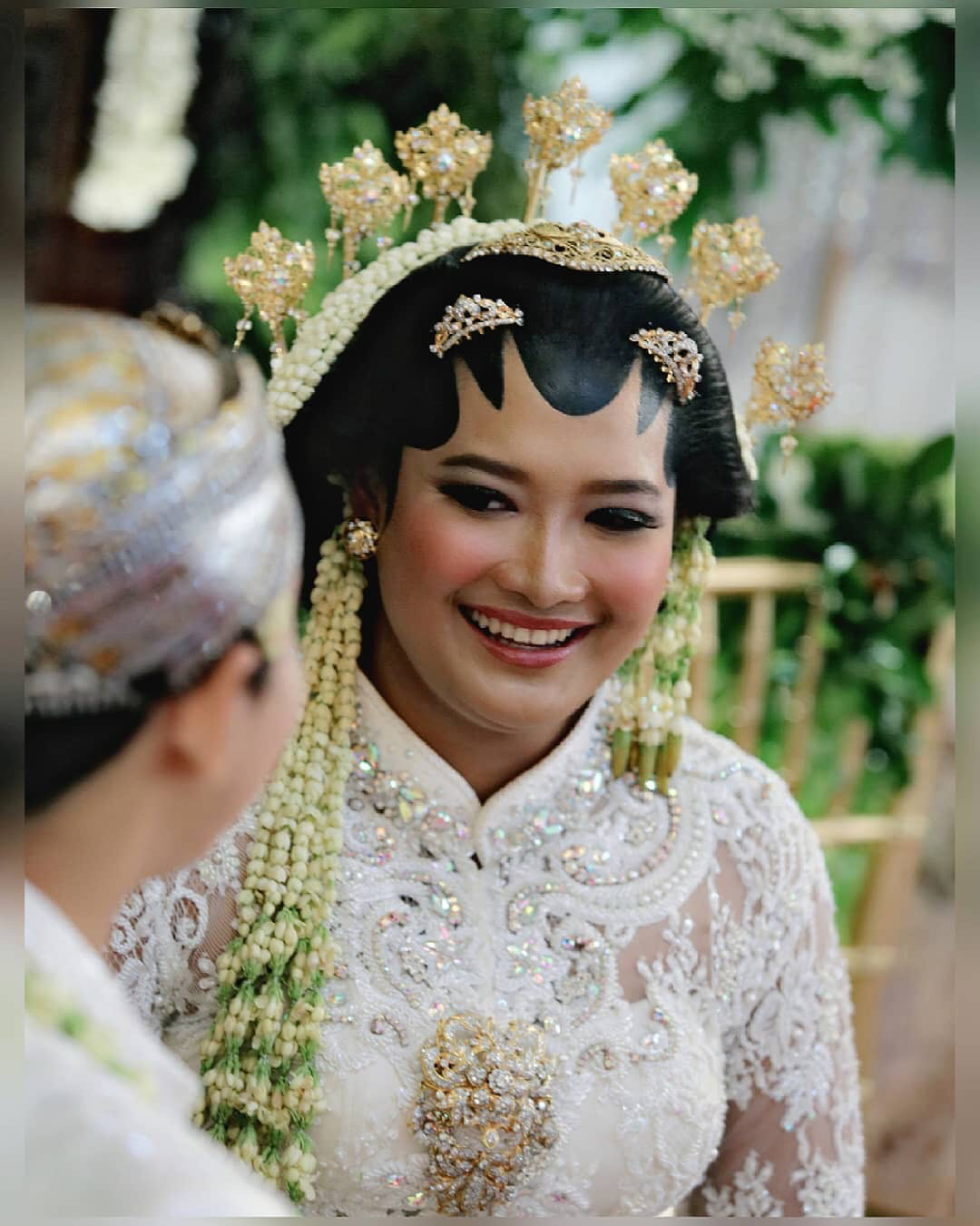 the religious wedding ceremony of annisa ganesha by d