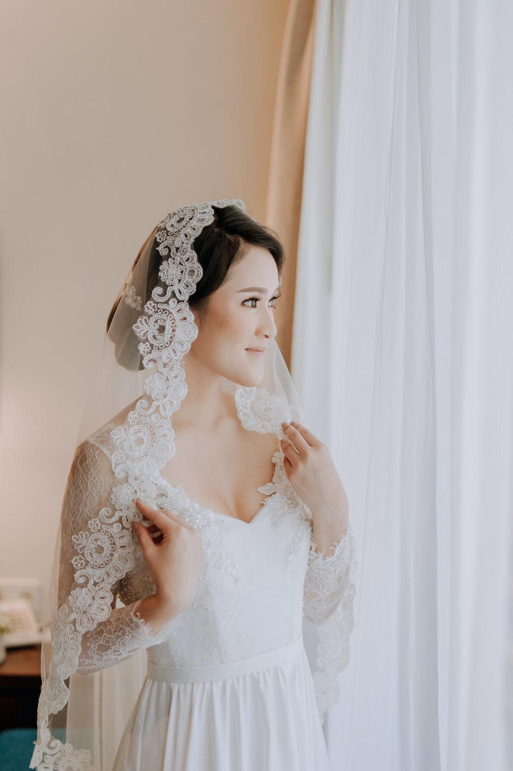 b2a7233437bd Best Wedding Dress Designer Indonesia - raveitsafe