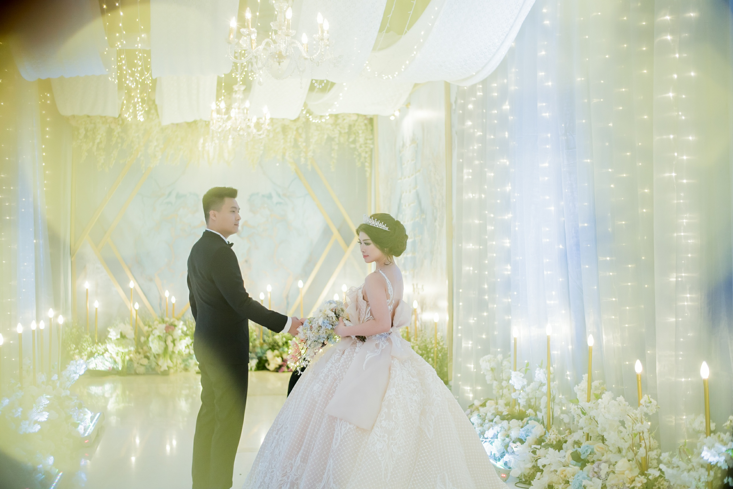 The Wedding Of Fery Cindy By Juzzon Productions Houseofcuff Square Golden Champagne Tie