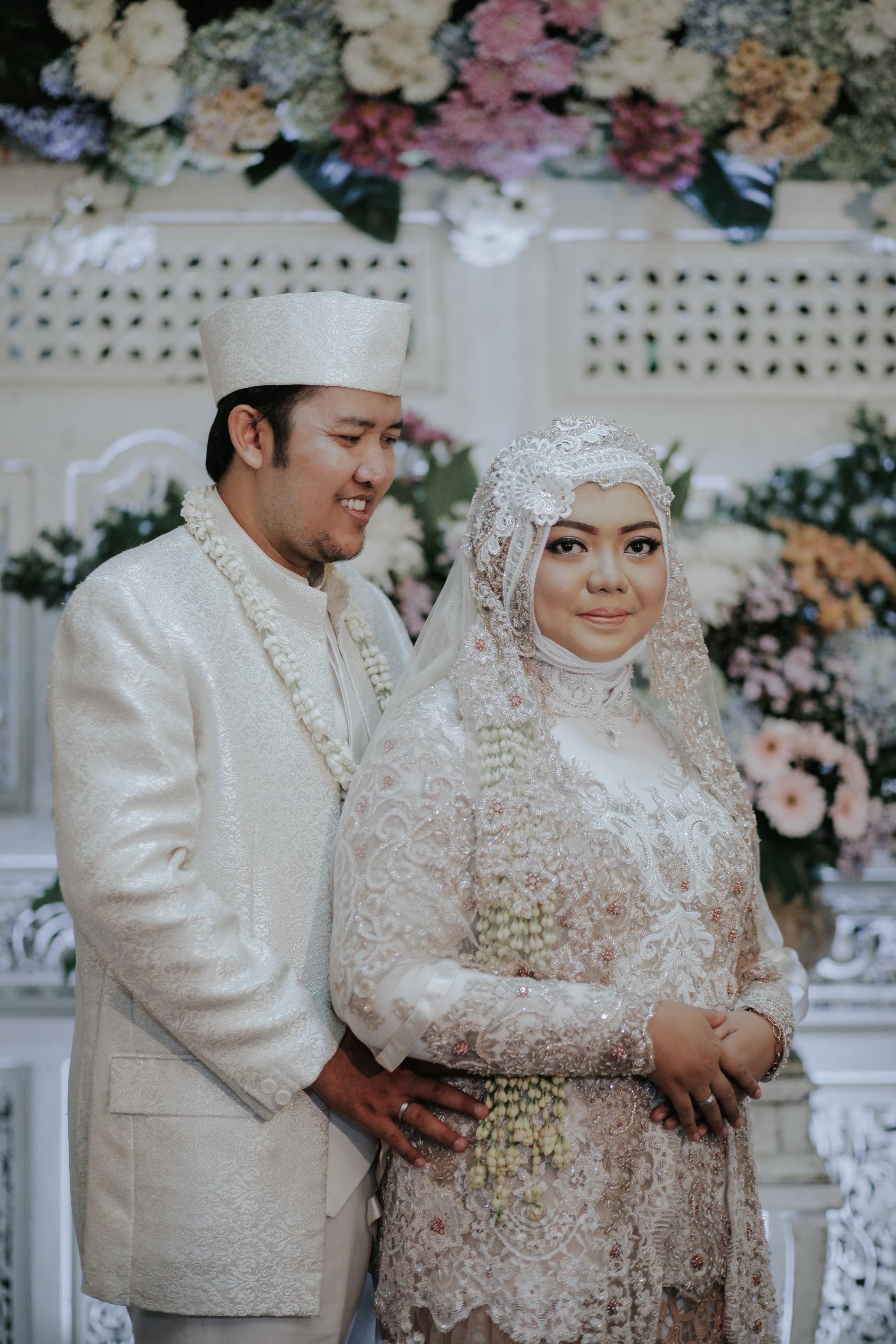 Kebaya Muslimah Big Size Fajar & Taufik by LAKSMI 12 12 12