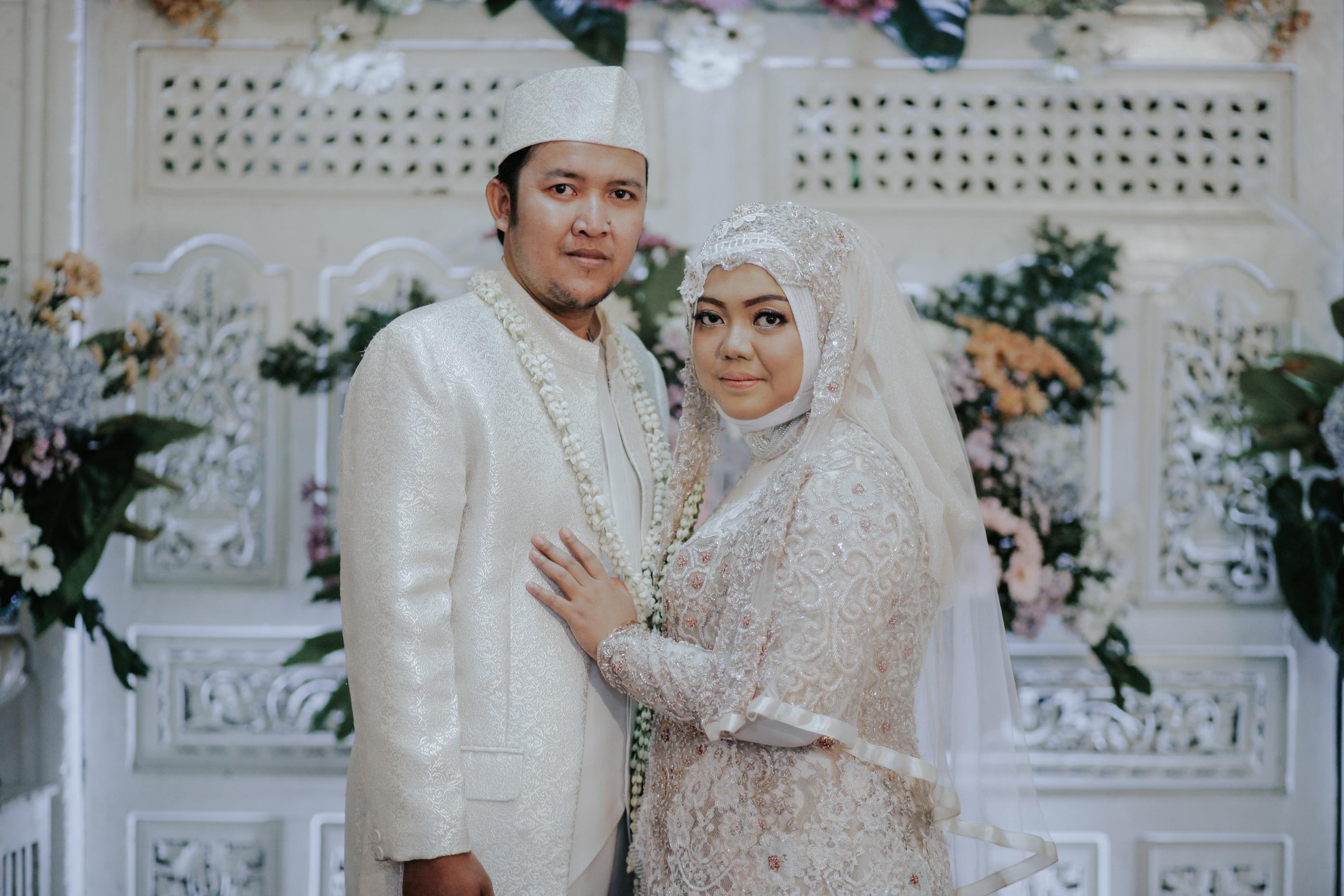 Kebaya Muslimah Big Size Fajar & Taufik by LAKSMI 9 9 9