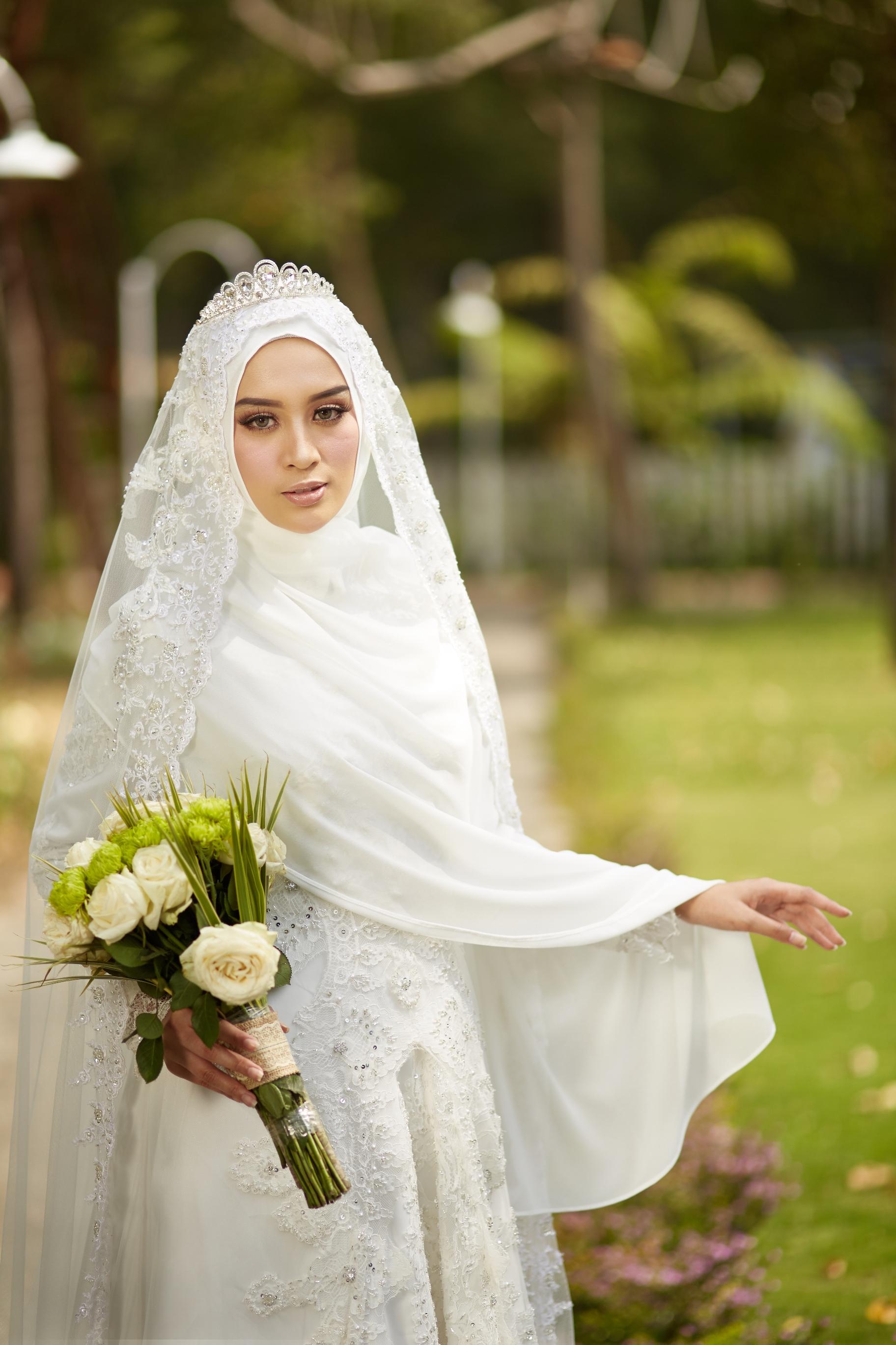 LAKSMI - Kebaya Muslimah & Islamic Bride  Wedding Bridal in