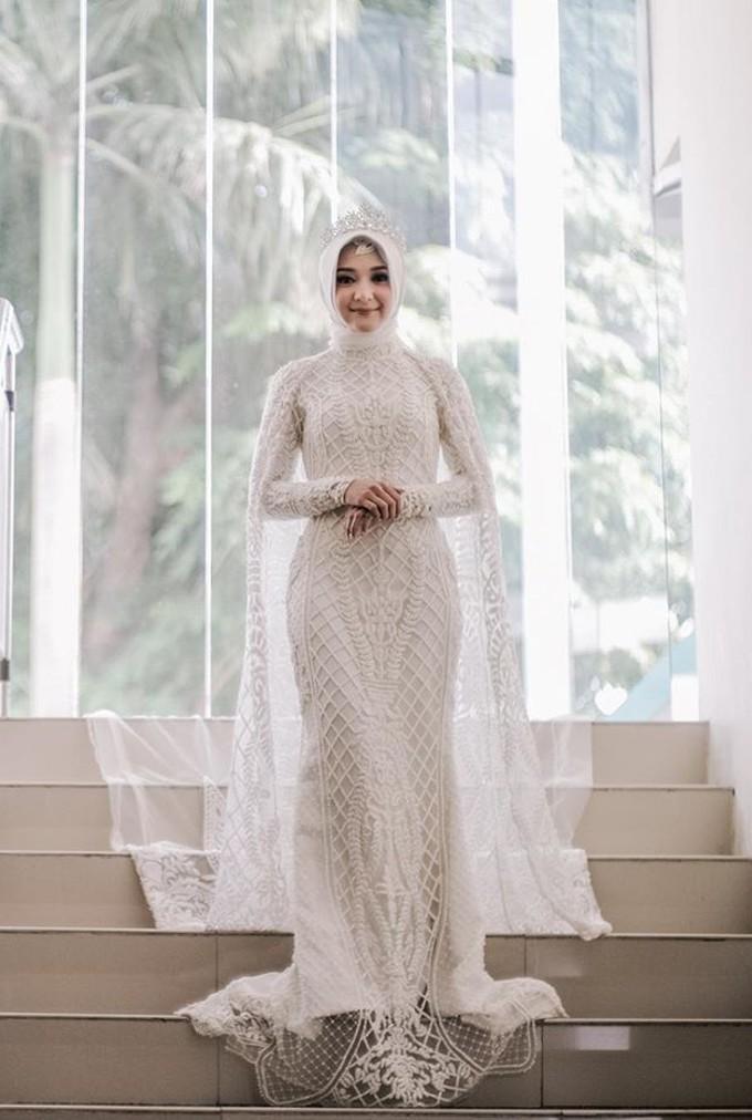 20 Inspirasi Gaun Pernikahan Untuk Calon Pengantin Berhijab