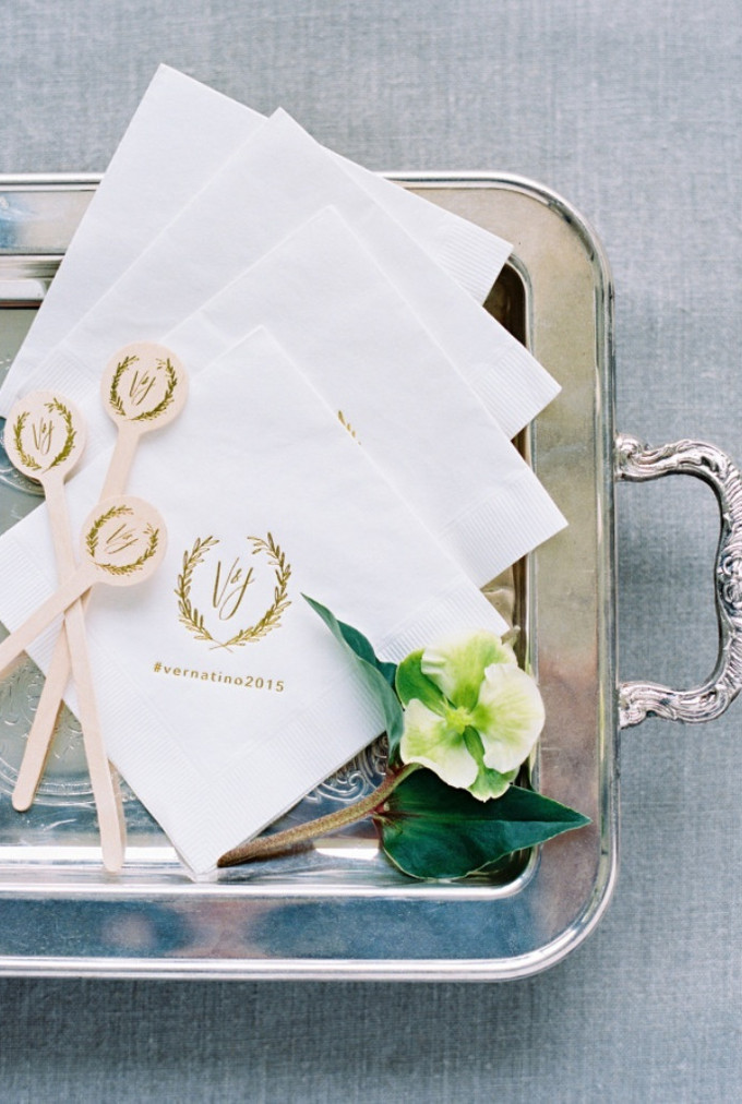 12 Creative Ways to Display Your Wedding Hashtag - Bridestory Blog