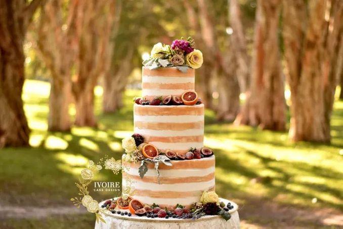 12 Inspirasi Kue Pengantin Istimewa untuk Pernikahan Intimate Image 11