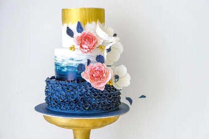 12 Inspirasi Kue Pengantin Istimewa untuk Pernikahan Intimate Image 12