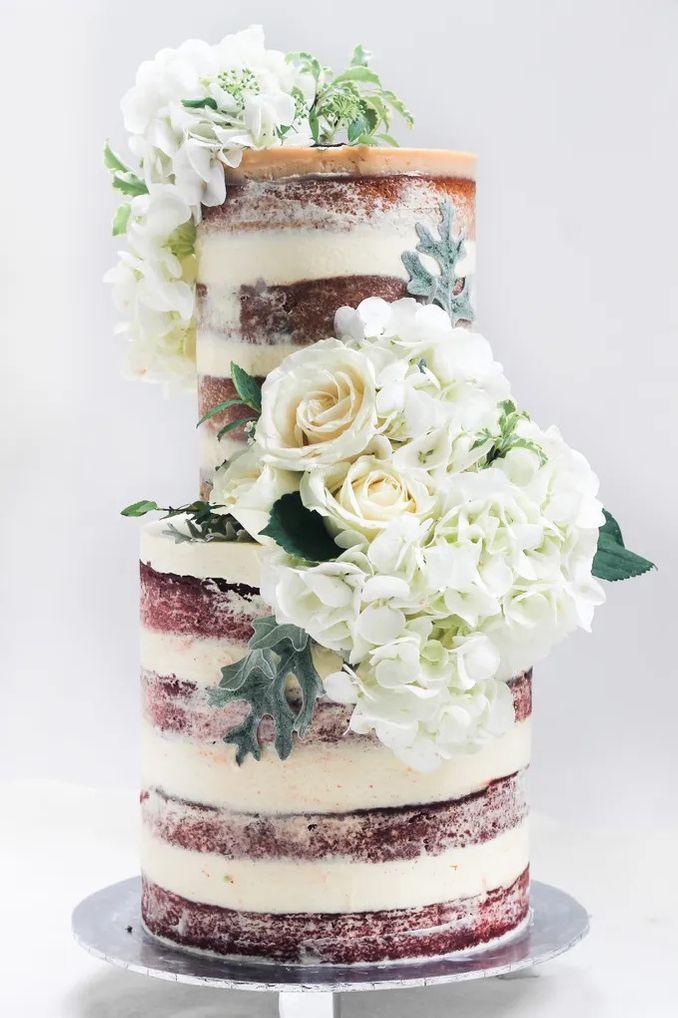 12 Inspirasi Kue Pengantin Istimewa untuk Pernikahan Intimate Image 4
