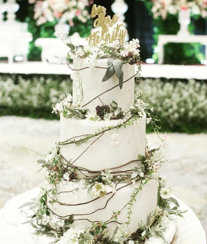12 Inspirasi Kue Pengantin Istimewa untuk Pernikahan Intimate Image 9