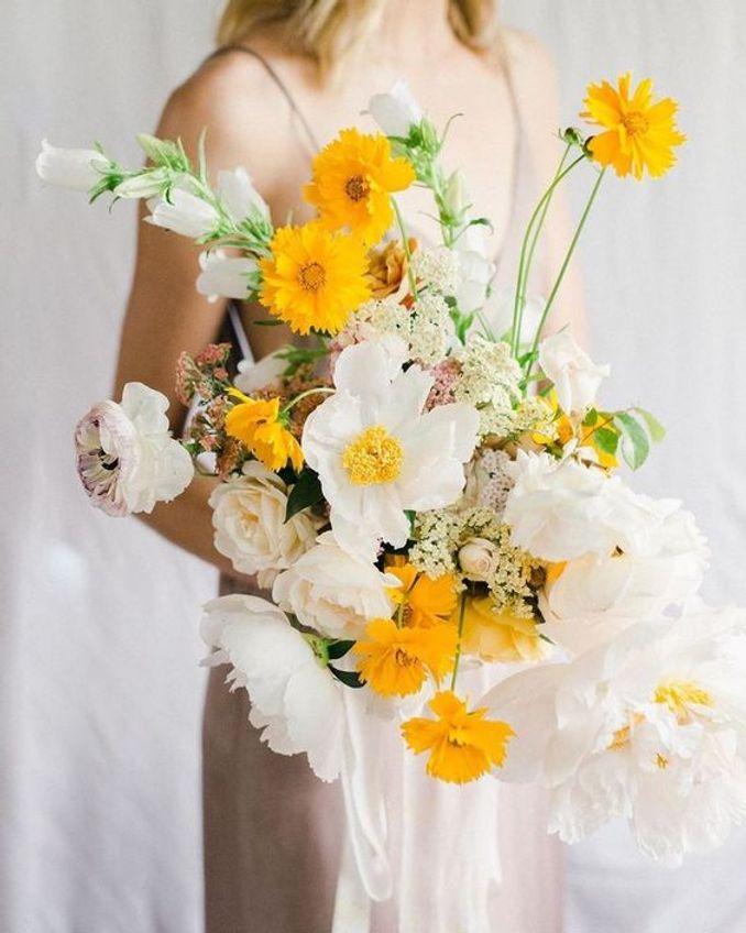 Tren Pernikahan 2021: Inspirasi Undangan Pernikahan, Dekorasi, dan Kue Pengantin Image 16