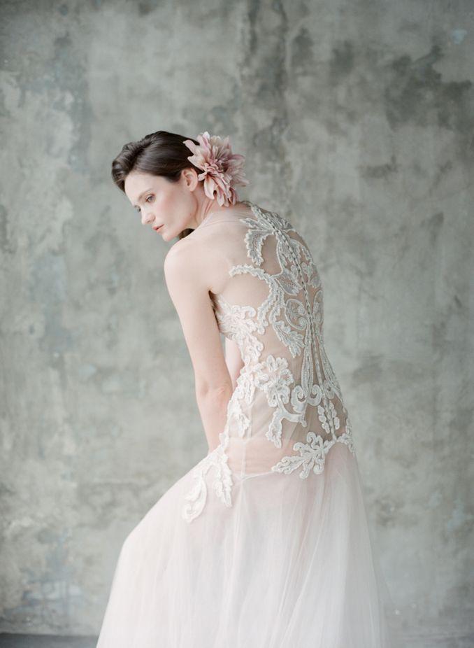 Rekomendasi Desainer Baju Pengantin dan Aksesoris Pengantin Terbaru 2021 - Bridestory Online Wedding Fair Image 4