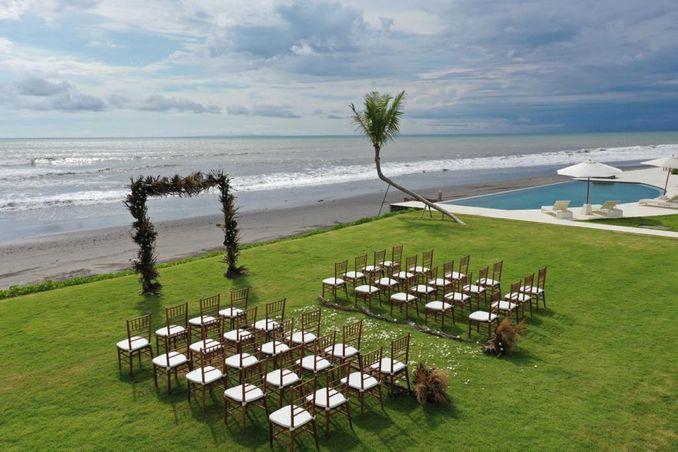 15 Rekomendasi Tempat Pernikahan Outdoor di Bali dengan Pemandangan Terbaik Image 15