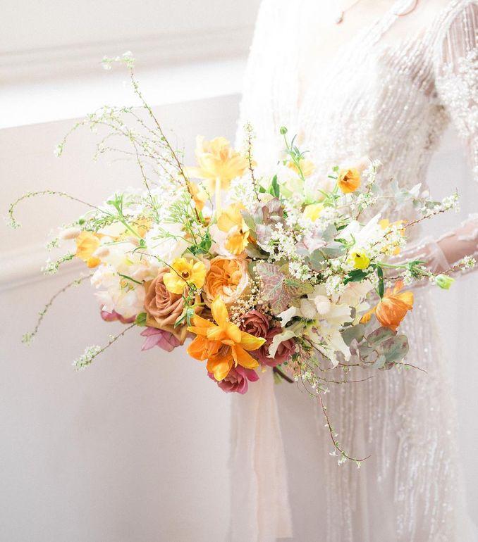 Tren Pernikahan 2021: Inspirasi Undangan Pernikahan, Dekorasi, dan Kue Pengantin Image 21