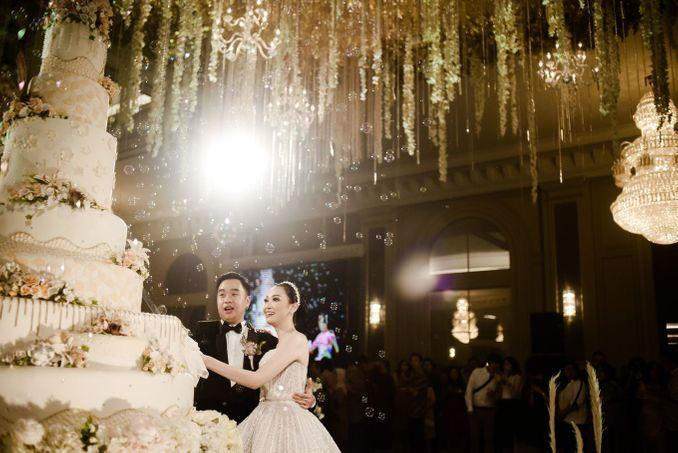 Checklist Foto Pernikahan: Momen Bersama Pasangan Image 12