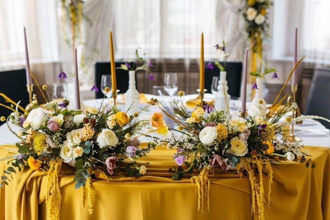 Tren Pernikahan 2021: Inspirasi Undangan Pernikahan, Dekorasi, dan Kue Pengantin Image 31