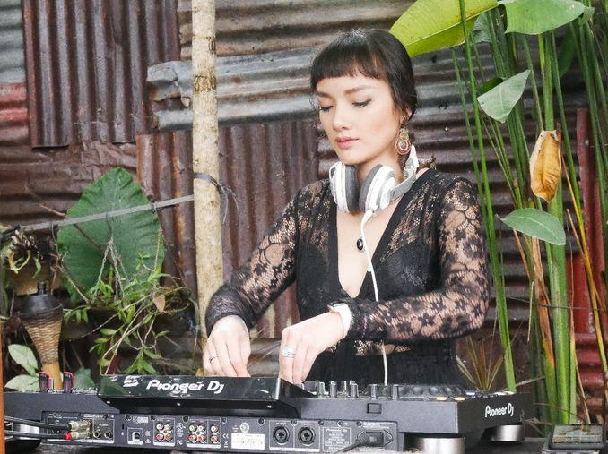 Rekomendasi Wedding Band dan Wedding Singer di Jakarta & Bali untuk Membawakan Lagu Pengiring Pengantin Pilihan Anda  Image 16