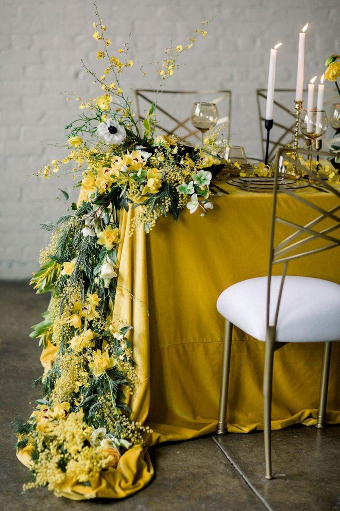 Tren Pernikahan 2021: Inspirasi Undangan Pernikahan, Dekorasi, dan Kue Pengantin Image 32