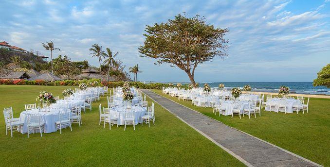 15 Rekomendasi Tempat Pernikahan Outdoor di Bali dengan Pemandangan Terbaik Image 11