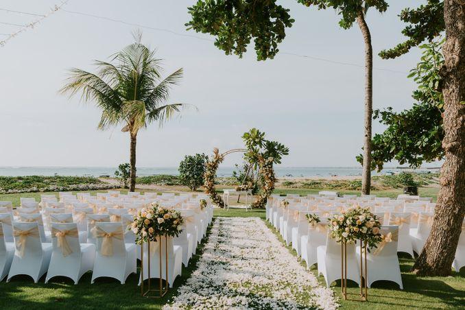 15 Rekomendasi Tempat Pernikahan Outdoor di Bali dengan Pemandangan Terbaik Image 10