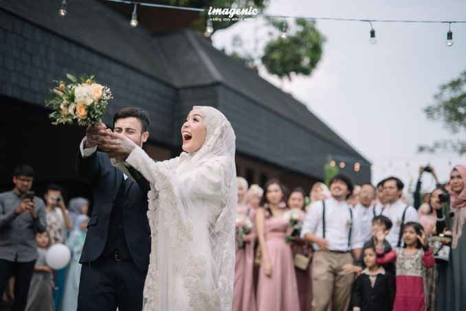 Checklist Foto Pernikahan: Momen Bersama Pasangan Image 13