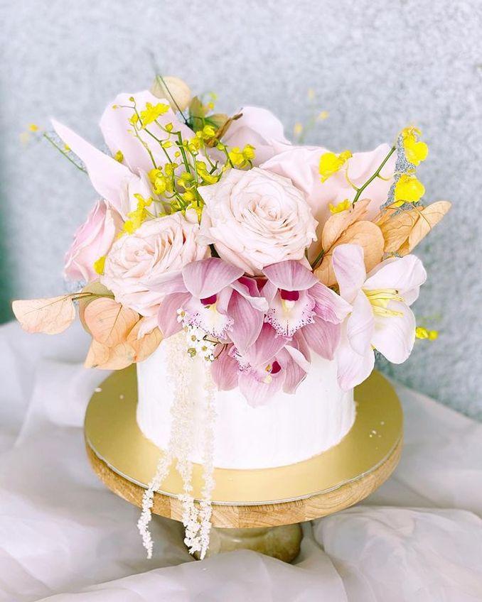 Tren Pernikahan 2021: Inspirasi Undangan Pernikahan, Dekorasi, dan Kue Pengantin Image 10