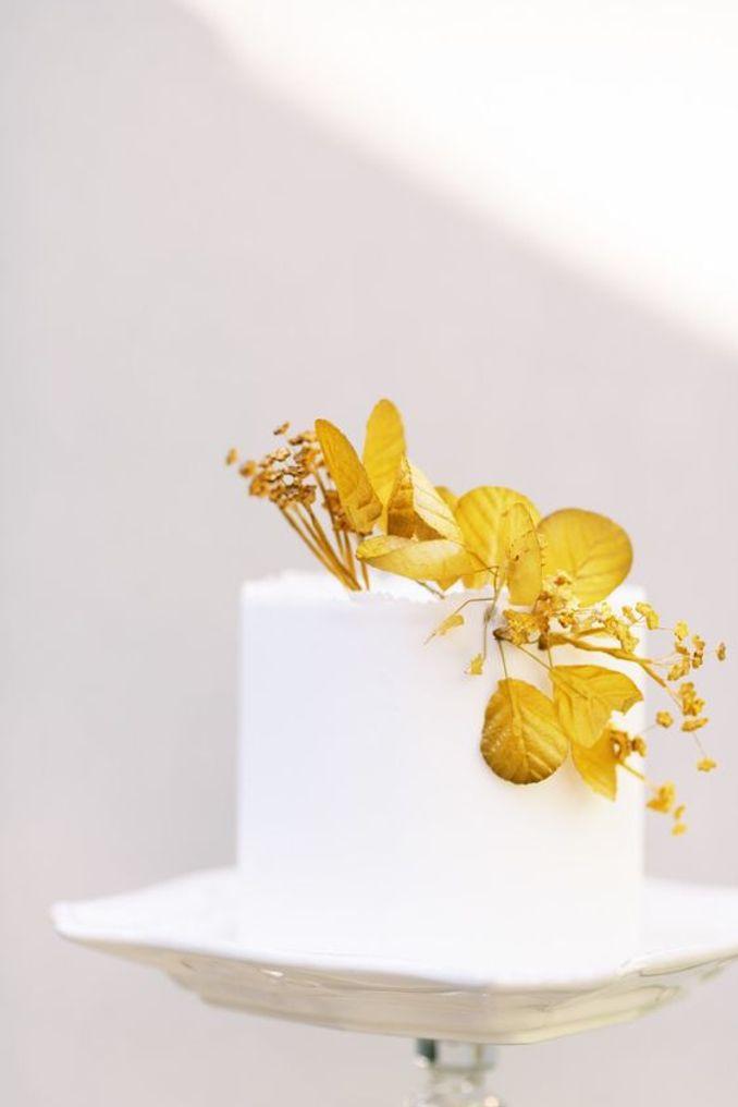 Tren Pernikahan 2021: Inspirasi Undangan Pernikahan, Dekorasi, dan Kue Pengantin Image 11