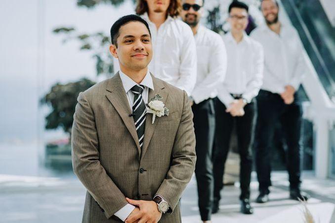 12 Perancang Busana Pengantin Pria untuk Akad Nikah Hingga Resepsi Image 7
