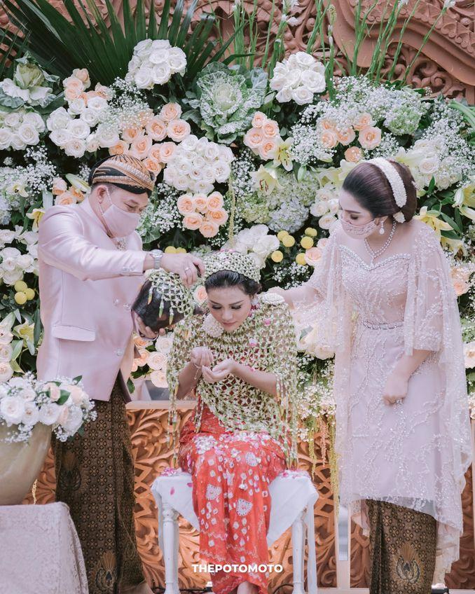 Filosofi Pernikahan Adat Jawa ala Mamie Hardo dan Mita Hardo Image 4