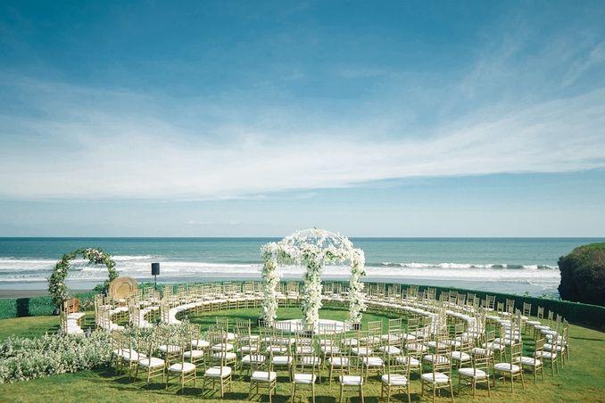 15 Rekomendasi Tempat Pernikahan Outdoor di Bali dengan Pemandangan Terbaik Image 5