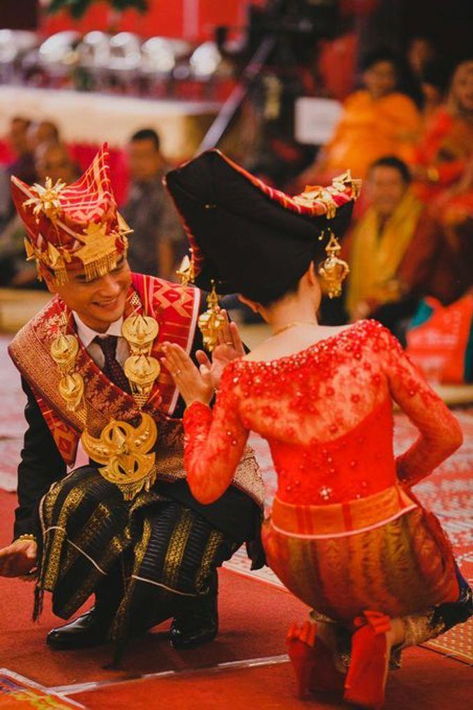 Sakralnya Ikatan Cinta dan Kekeluargaan dalam Pernikahan Adat Batak Karo Image 3
