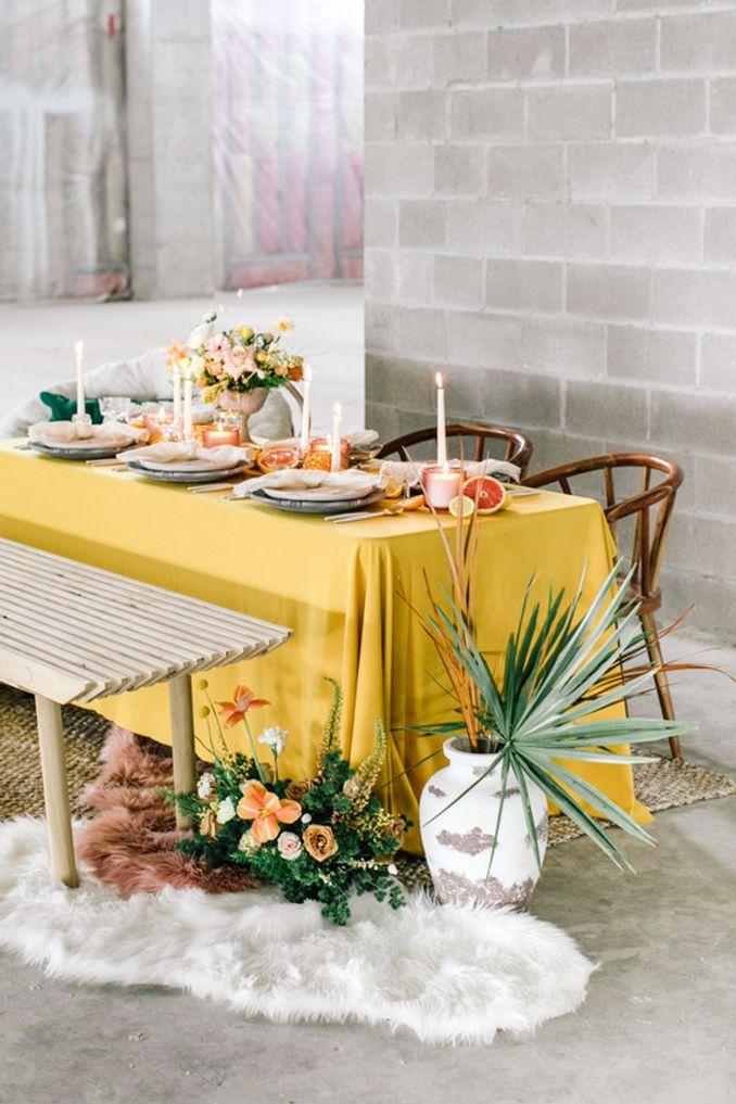 Tren Pernikahan 2021: Inspirasi Undangan Pernikahan, Dekorasi, dan Kue Pengantin Image 33