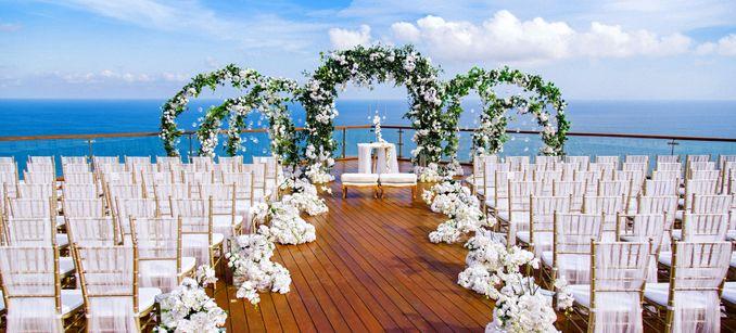 15 Rekomendasi Tempat Pernikahan Outdoor di Bali dengan Pemandangan Terbaik Image 12