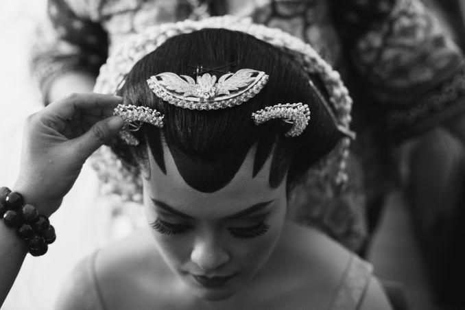 Filosofi Pernikahan Adat Jawa ala Mamie Hardo dan Mita Hardo Image 8