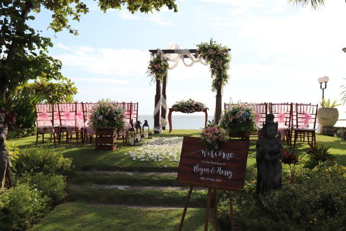 15 Rekomendasi Tempat Pernikahan Outdoor di Bali dengan Pemandangan Terbaik Image 13