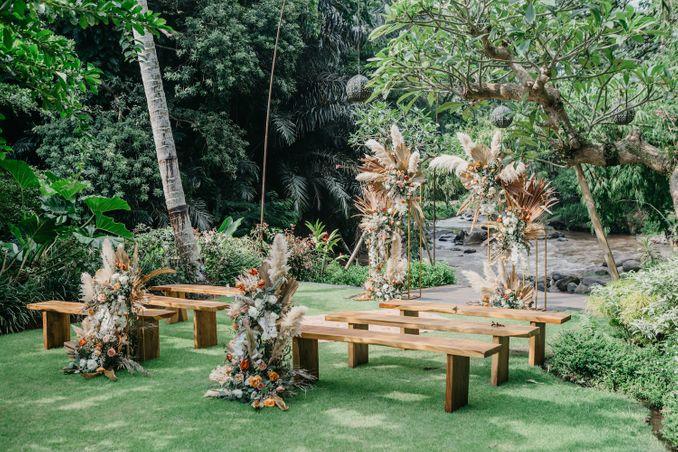 15 Rekomendasi Tempat Pernikahan Outdoor di Bali dengan Pemandangan Terbaik Image 1