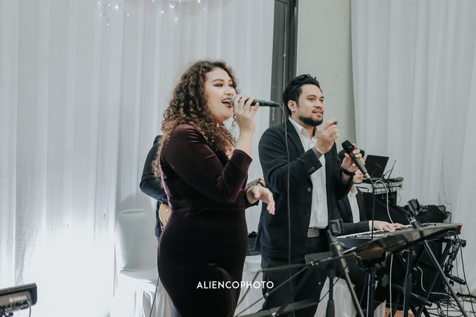 Rekomendasi Wedding Band dan Wedding Singer di Jakarta & Bali untuk Membawakan Lagu Pengiring Pengantin Pilihan Anda  Image 5
