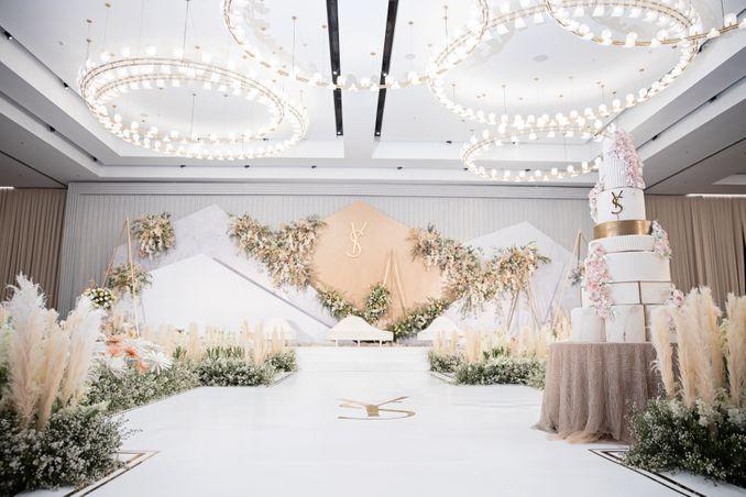 10 Pilihan Paket Gedung Pernikahan Paling Populer di Bandung Image 1