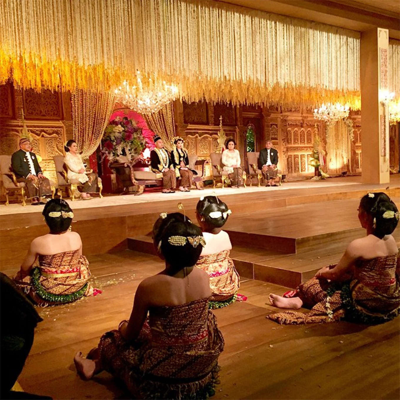 Dutch Wedding Reception Traditions: 71 Best Traditional Indonesian Wedding Moments