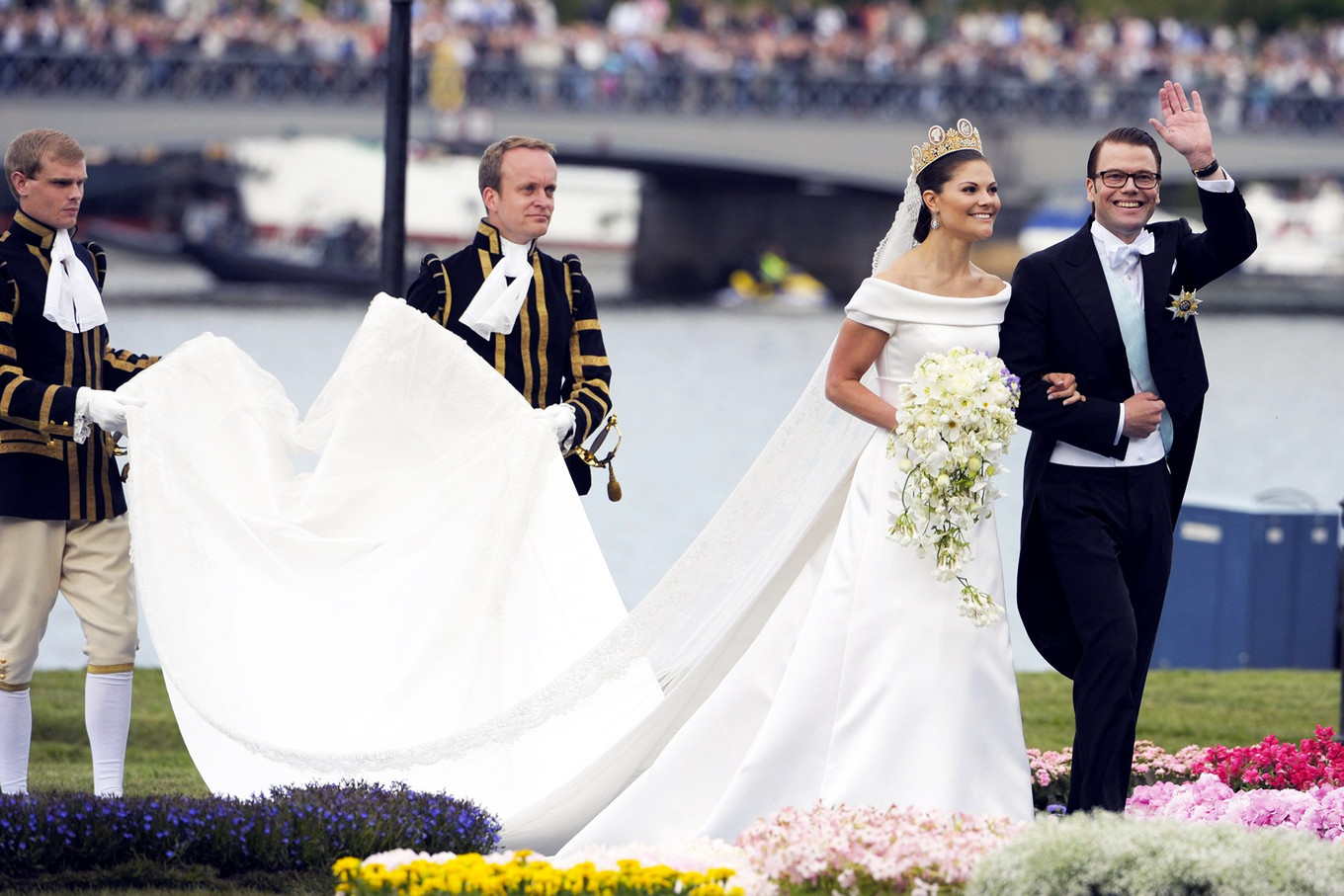 11 Most Unforgettable Royal Wedding Dresses of All Time - Bridestory ...