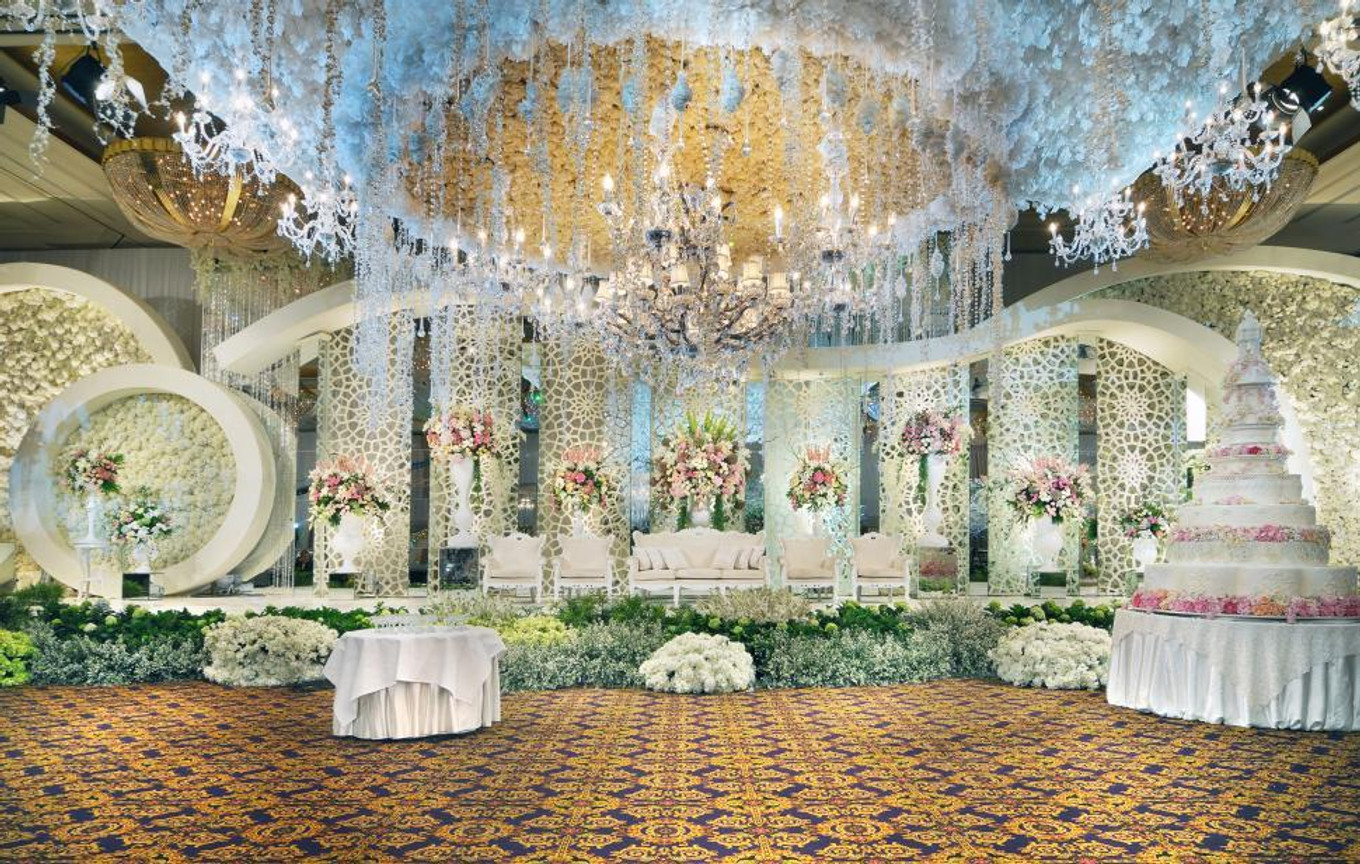 6 top wedding decorators in jakarta bridestory blog lotus design junglespirit Gallery