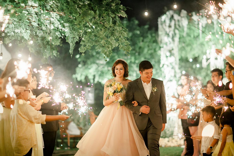 How To Choose A Wedding Photographer Bridestory Blog