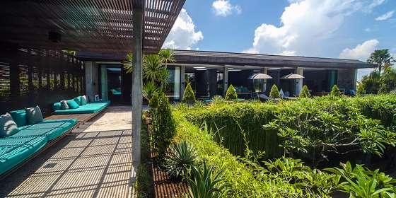 08-villa-mana-upstairs-terrace-rJ8U92SwD.jpg