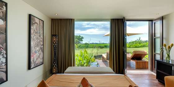 25-villa-mandalay-downstairs-guest-bedroom-rkL62YBww.jpg
