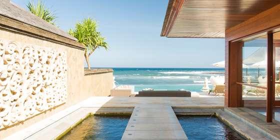 3.-villa-bayu-gita-beachfront-pathway-to-deck-SJj5mhrvD.jpg