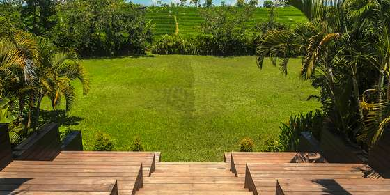 31-villa-mana-lavish-grounds-B18I52SwD.jpg